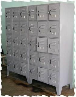 Locker_a.jpg
