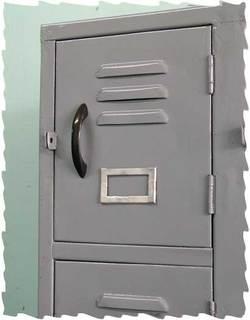 Locker_b.jpg